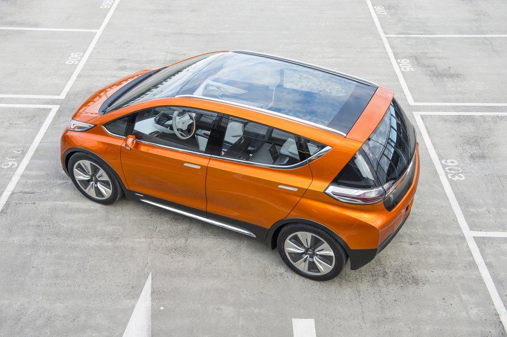 2015-Chevrolet-BoltEV-Concept-exterior-003.jpg