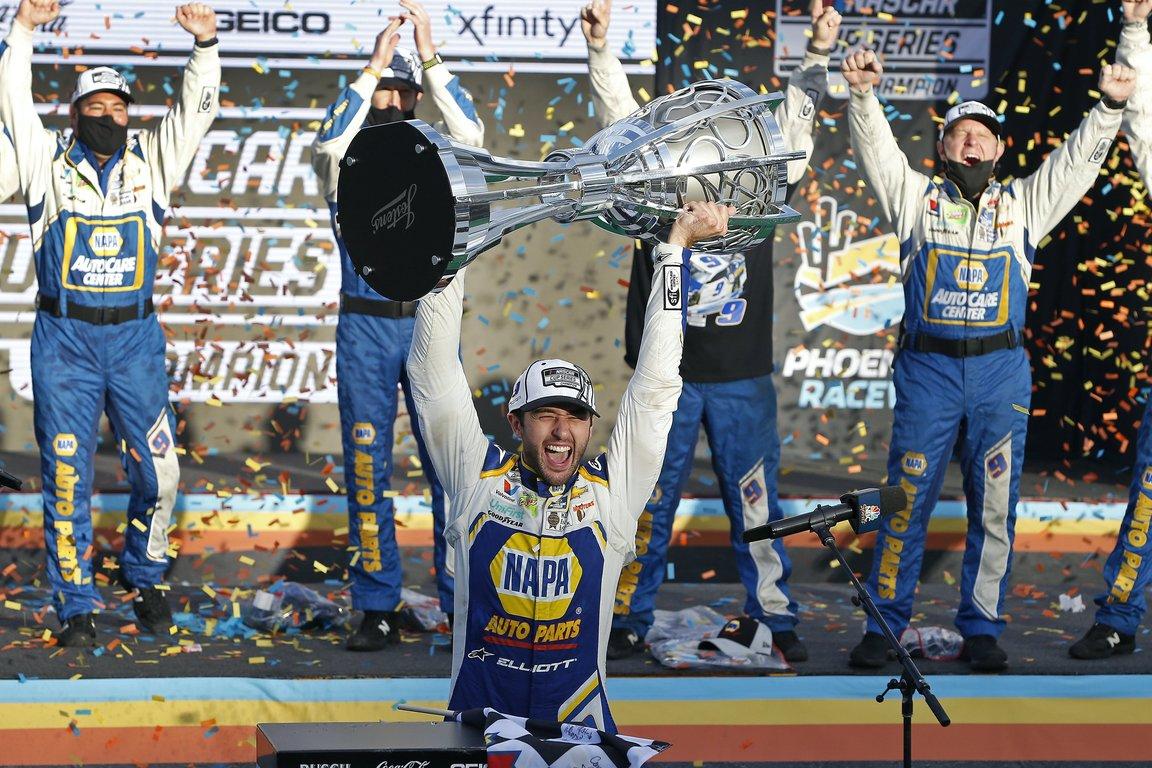 APTOPIX_NASCAR_PHOENIX_AUTO_RACING_60301067.jpeg