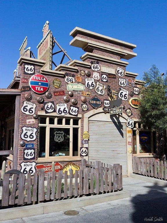 b38238d4b85cca8ece43b27157baccd3--disneyland-california-adventure-disneyland-resort.jpg