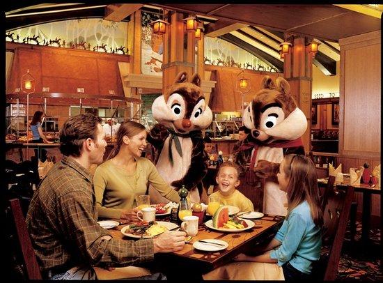 dining-at-storyteller.jpg