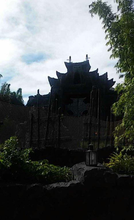 Kong Gates.jpg