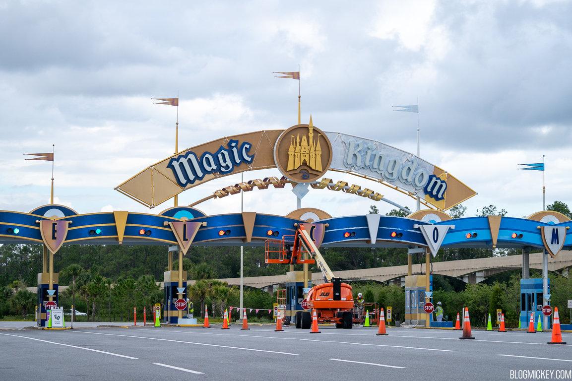 magic-kingdom-parking-plaza-repainting-oct262020-2.jpg