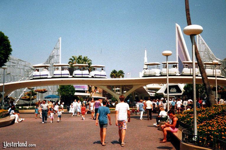 peoplemover_entrancecirca1995cb.jpg