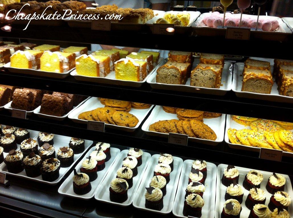 Starbucks-Disney-snacks.jpg